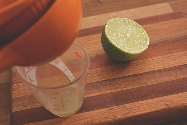 Juicing_limes